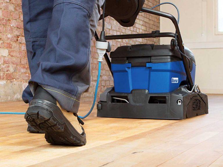 houten vloer laten reinigen