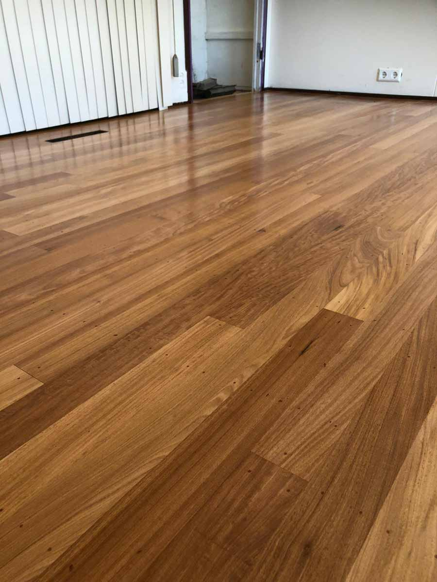 Hoogglans parketlak stoken houten vloer