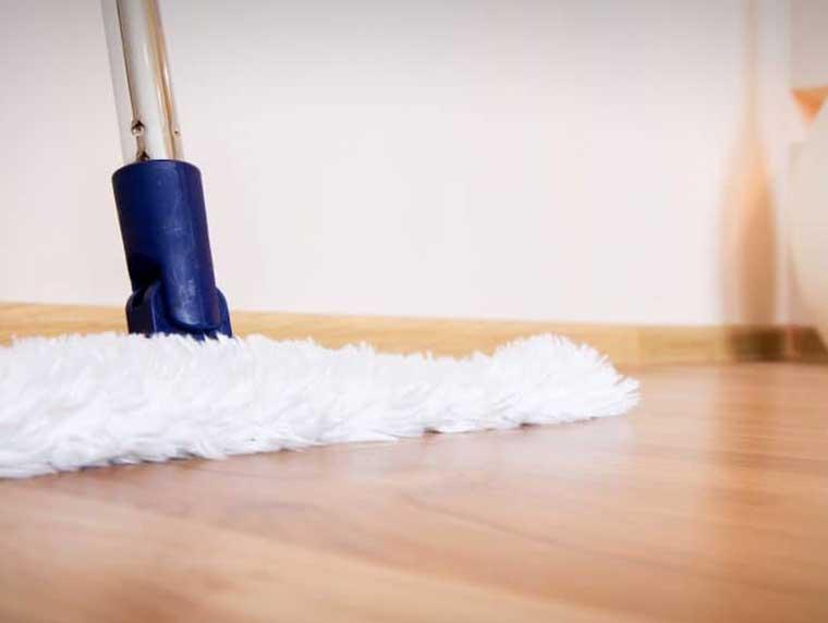 Stofvrij maken van de vloer